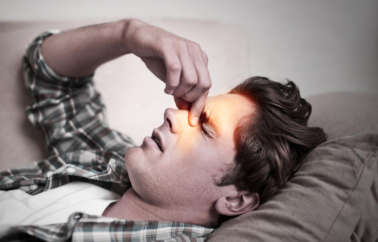 dolore-sopra-gli-occhi-cause-rimedi